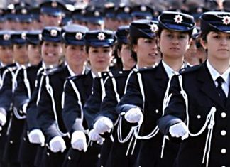 Turkey allows policewomen to wear headscarves