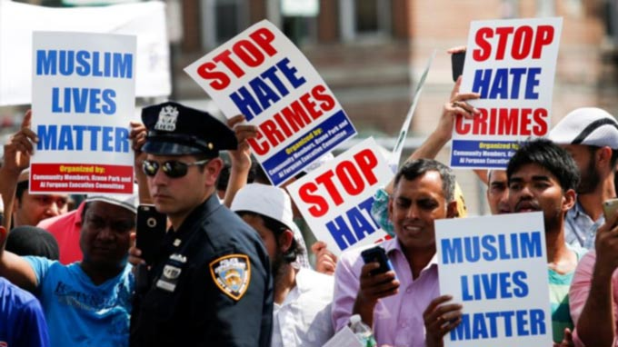 FBI: Hate Crimes Against Minorities Increased in 2015