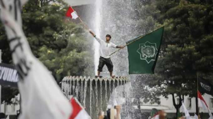 Indonesia: Thousands rally against blasphemy in Jakarta