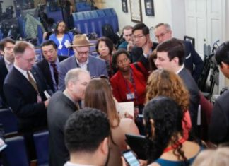 White House Criticized After Blocking Outlets from Briefing