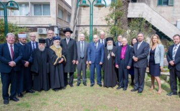 In 'historic' move, Trump envoy hosts interfaith meeting