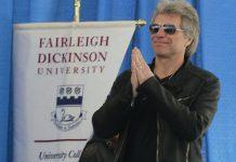 Bon Jovi to receive humanitarian award for fighting poverty