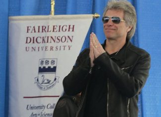 Bon Jovi to receive humanitarian award for fighting poverty