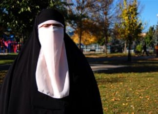 Groups launch legal challenge of Quebec's face veil ban
