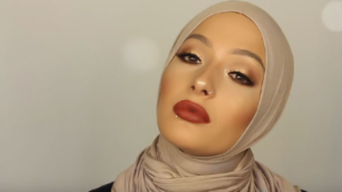 CoverGirl Names Hijab-Wearing Blogger Nura Afia As Ambassador