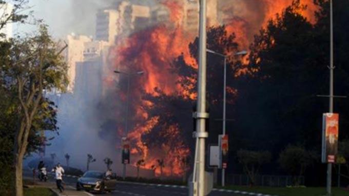 Israel: Tens of thousands flee Haifa wildfires