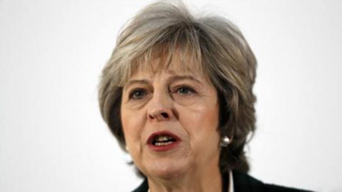 Brexit: UK will leave EU single market, says May