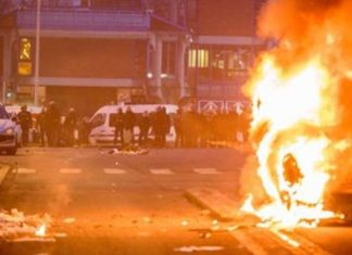 Paris rally over alleged police rape descends into riot
