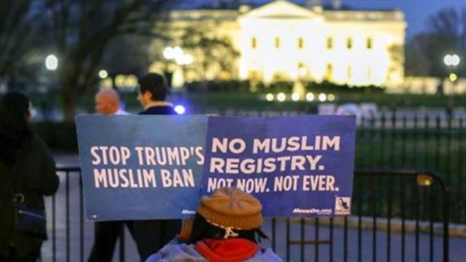 Trump's travel ban: How could Hawaii block it?