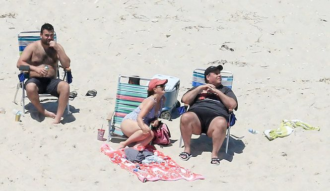 Gov Chris Christie family soak up sun on N.J. beach he closed to public