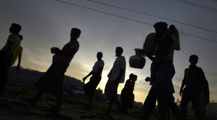 Monk-led mob attacks Rohingya refugees in Sri Lanka