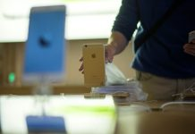 Apple apologizes for slowing iPhones, offers discounted batteries