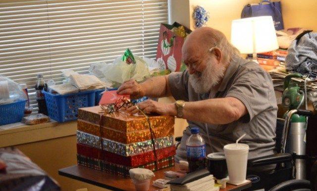 Sisterhood Of Salaam Shalom Brings Christmas Cheer To Willow Creek Residents